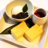 もっちりお豆富のチーズケーキ 〜季節果実ソースとバニラアイス添え〜